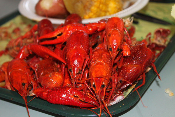 platter of crawfish